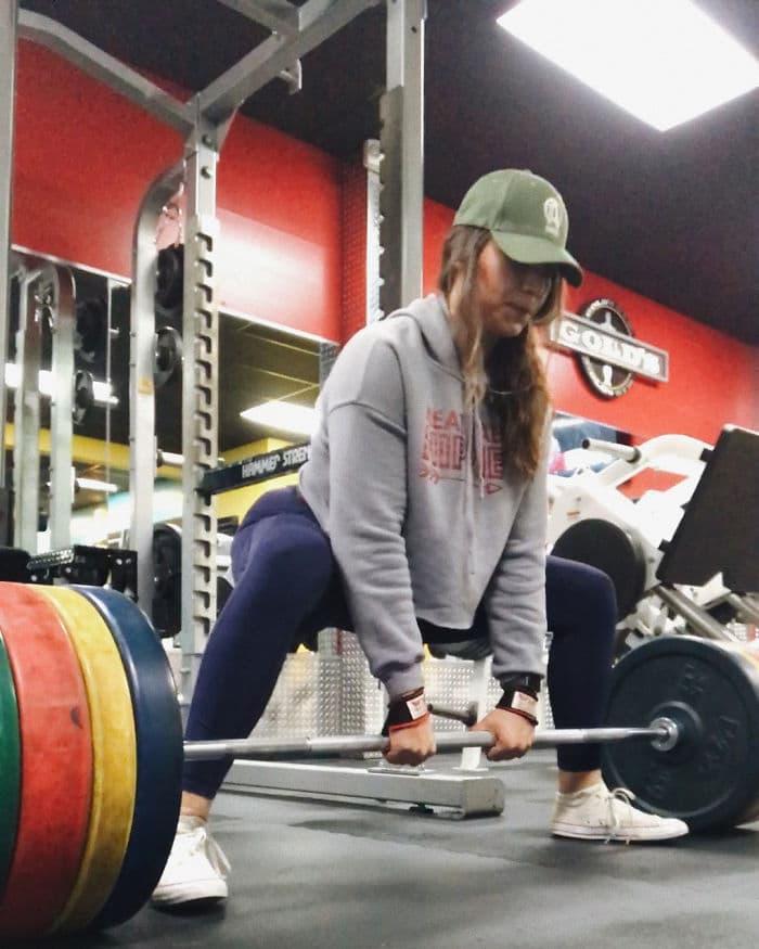 22χρονη που ζύγιζε 137 κιλά αποκάλυψε τι αλλαγή έκαναν 3 χρόνια γυμναστικής στο σώμα της - Εικόνα 13
