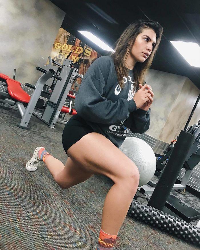 22χρονη που ζύγιζε 137 κιλά αποκάλυψε τι αλλαγή έκαναν 3 χρόνια γυμναστικής στο σώμα της - Εικόνα 8